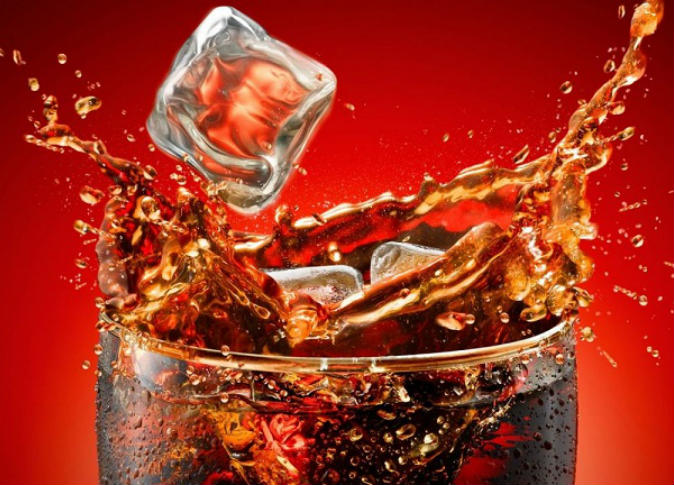 المشروبات الغازية قاتلة.. وفاة شاب بعد تناول 1.5 لتر