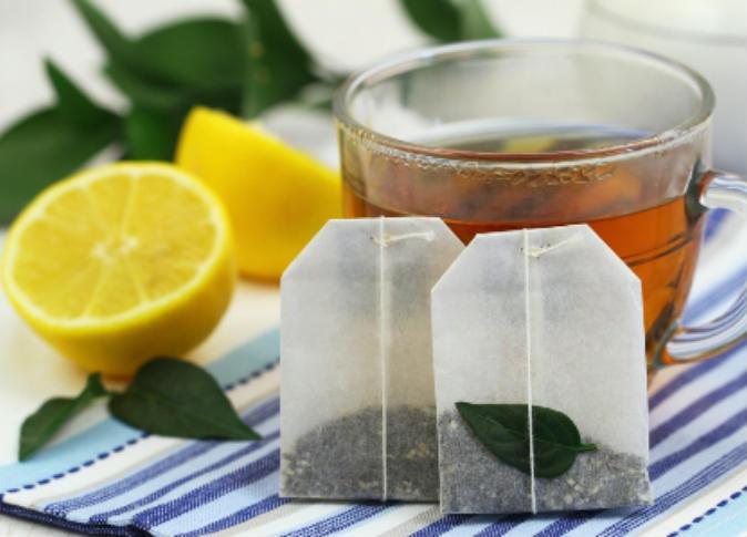 """فوائد عديدة لشُرب """"الشاي"""" على الأسنان"""